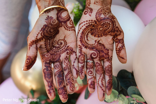Indian bridal dark mehndi art capture.