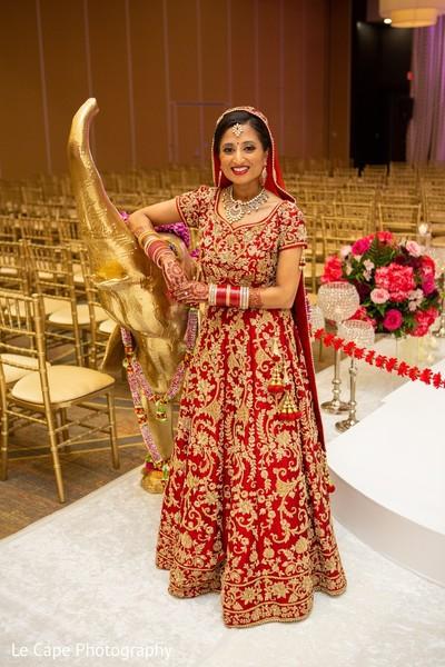 Indian bridal next to ganesh