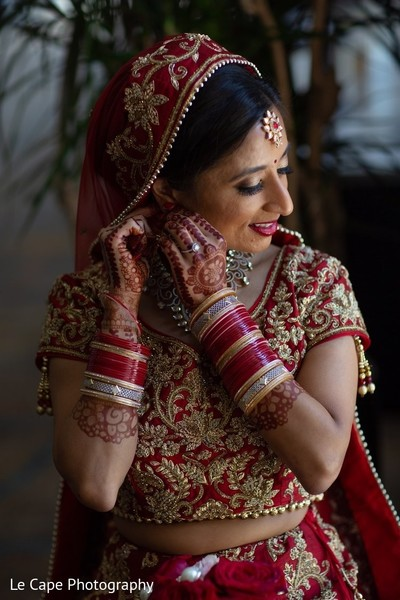 Indian bridal getting ready