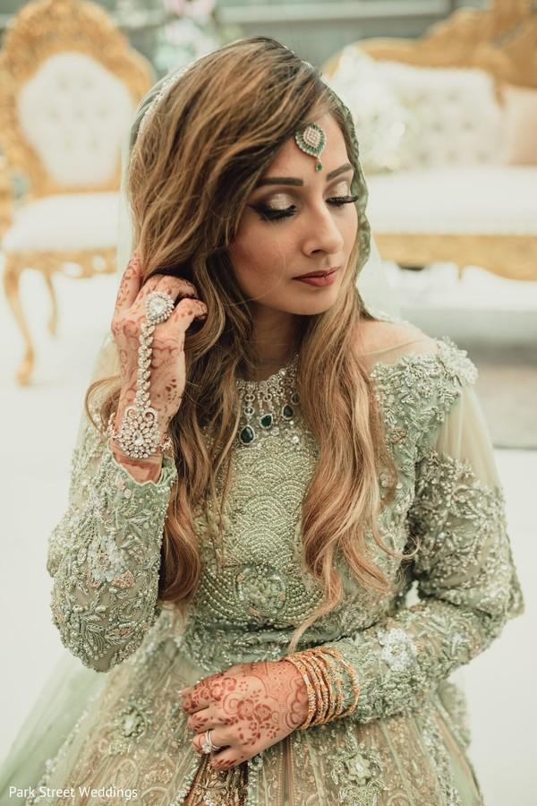 Indian bride reception potrait.