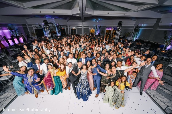 Incredible Indian wedding reception party capture.