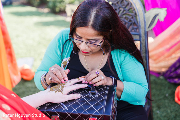 Indian mehndi party photography.