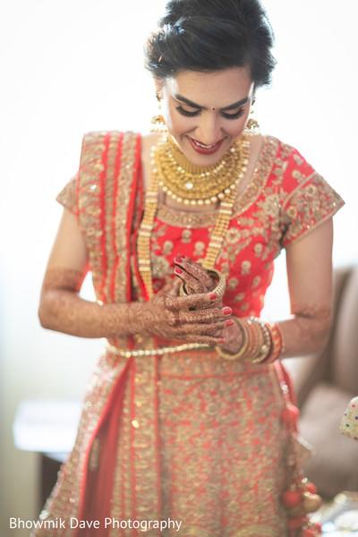 Beautiful Maharani posing her bridal jewelry