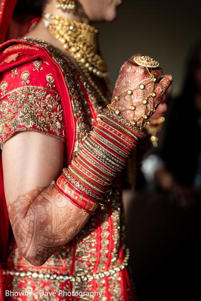 Astonishing indian bride's jewelry