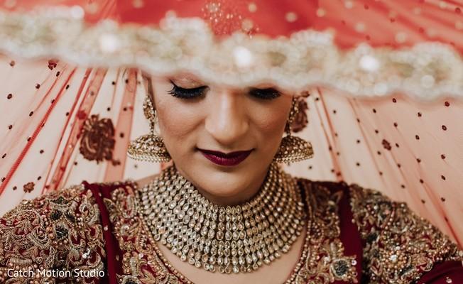 Maharani wearing her kundan choker necklace and earrings.