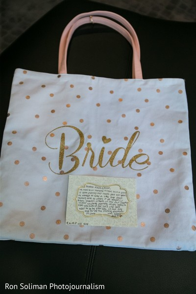 A bag for the presents of the Indian bride