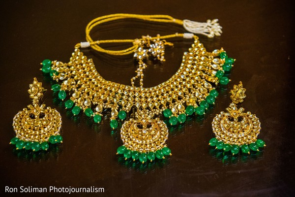 The choker and earrings to be worn by Maharani