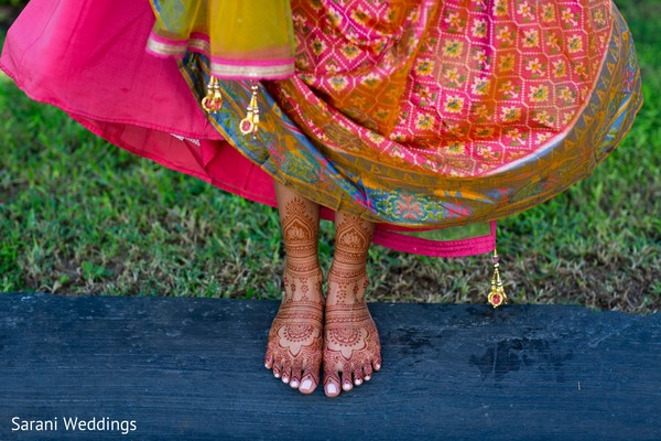 Intrincated Indian bridal mehndi feet art.
