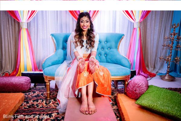 Maharani showing off her mehndi