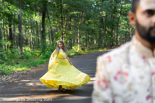 Maharani dancing behind her Indian groom