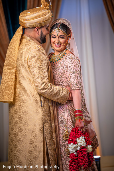 indian couple photoshoot at ceremony