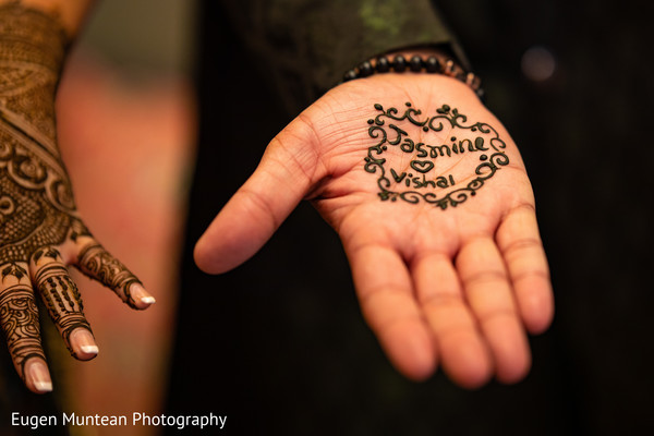 Indian bridal mehndi art decoration