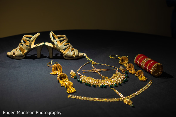 accessories to be used by Indian bride