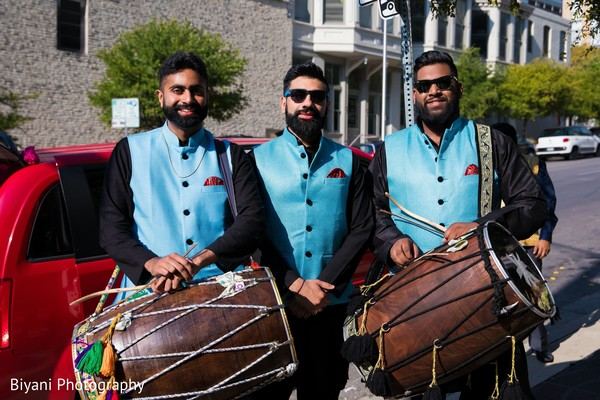 Indian dhol plares for baraat procession.
