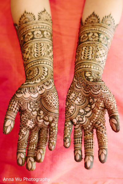 Indian bridal brown henna art.