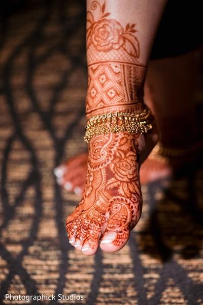 Maharani's wedding mehndi art.