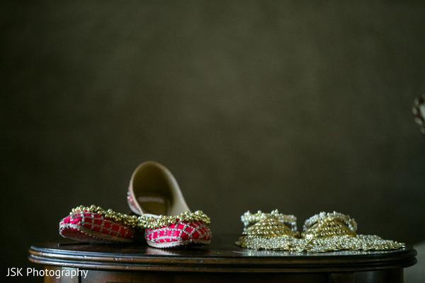 Magenta mojaris and maharani's jewelery.