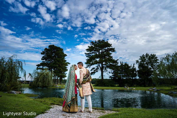 Enchanting Indian lovebirds outdoor photo shoot