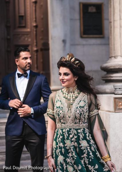 Fabulous shot captured the elegance of the newlyweds at the photoshoot