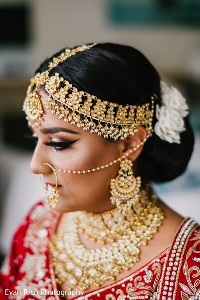 Indian bridal golden Kundan Matha Patti.