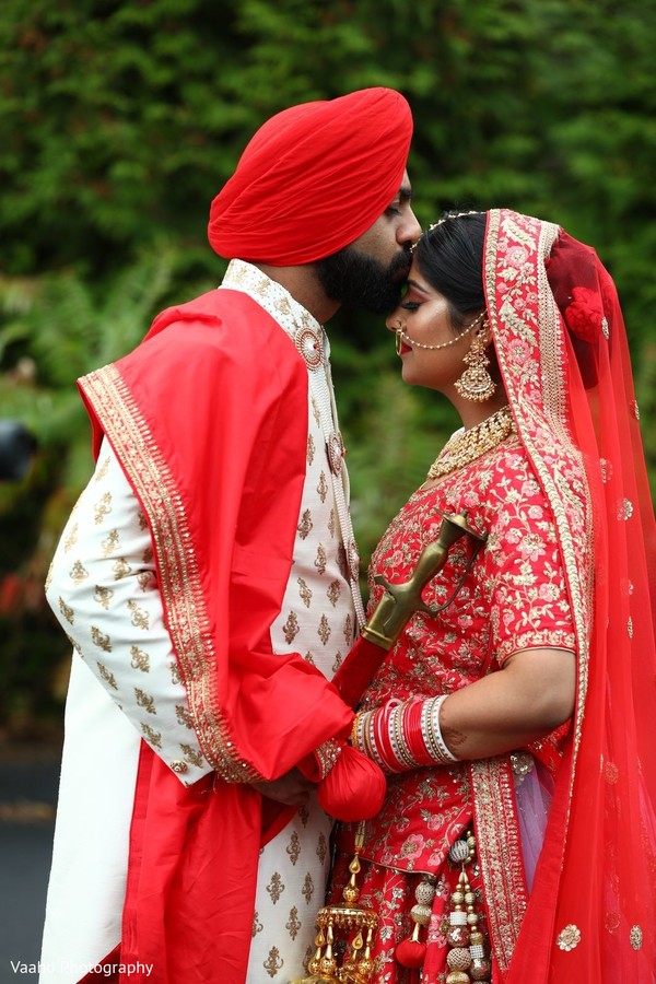 Indian bride and grooms outdoors photo session.