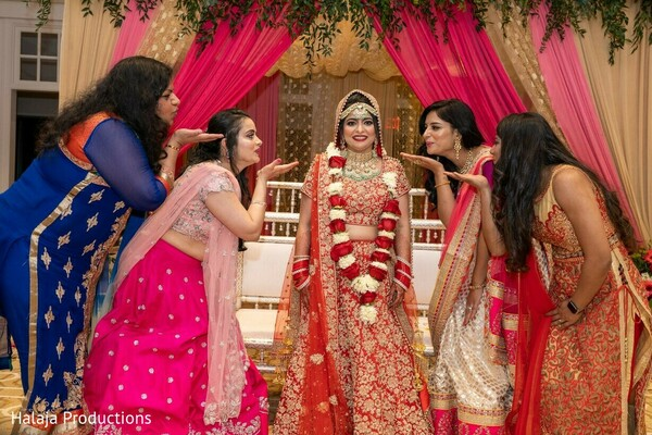 Maharani with bridesmaids posing on their ceremony outfits.