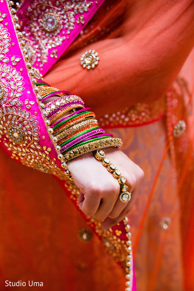 Bridal churis and hath phool in Austin, TX Indian Fusion Wedding by Studio Uma