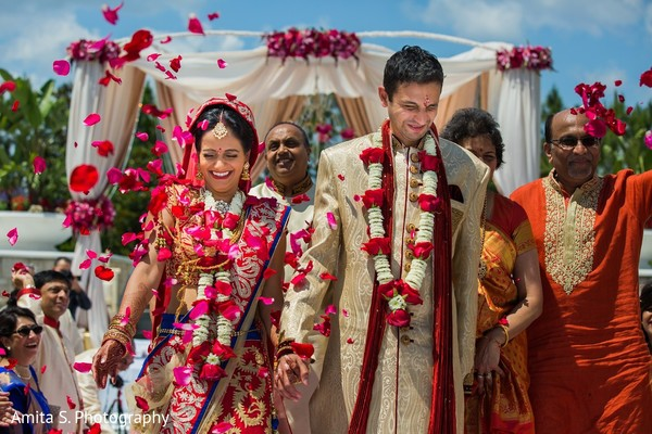 ceremony,indian wedding ceremony,indian wedding,outdoor wedding ceremony,outdoor wedding,hindu wedding,hindu wedding ceremony