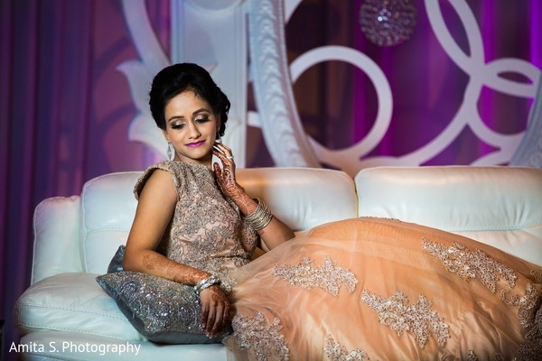 reception portraits,indian wedding reception,indian bride,reception hair and makeup,reception fashion