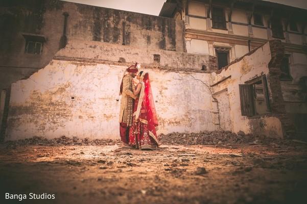 First Look in Gujarat, India Hindu Wedding by Banga Studios