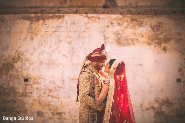 First Look in Gujarat, India Hindu Wedding by Banga Studios