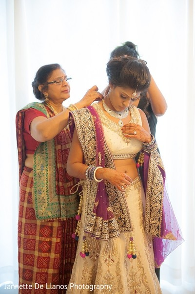 Getting Ready in Key Largo, FL Indian Fusion Wedding by Jannette De Llanos Photography