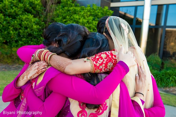 bridal party,bridal party portraits,bridesmaids,indian bridal party,indian bridesmaids