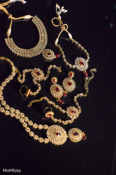 List of Synonyms and Antonyms of the Word indian bridal jewelry sets