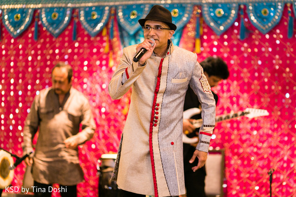 pre-wedding celebration,pre-wedding festivities,garba,dandiya raas,dandiya,garba night,raas,performers,entertainment,live band