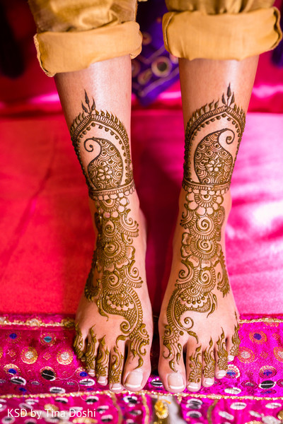 mehndi,mehndi party,mehndi night,pre-wedding ceremonies,pre-wedding ceremony,pre-wedding celebration,bridal mehndi,bridal henna,henna,mehndi for indian bride,henna for indian bride,mehndi artist,henna artist,mehndi designs,henna designs,mehndi design,bridal mehndi for feet,mehndi on feet,mehndi designs for feet