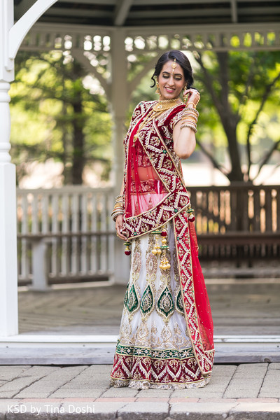 first look,first look portraits,lengha,lehenga,bridal lengha,wedding lengha
