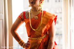 indian bride,wedding sari,bridal jewelry,necklace