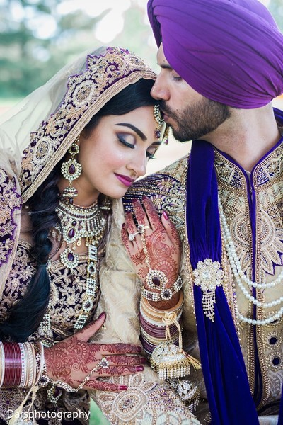 First Look in Downers Grove, IL Hindu-Sikh Fusion Wedding by Dars Photography