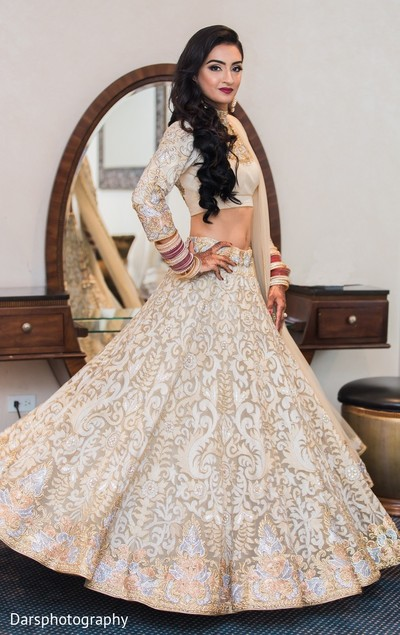 Bridal Fashion in Downers Grove, IL Hindu-Sikh Fusion Wedding by Dars Photography