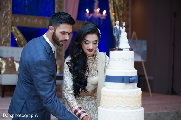 reception,indian wedding reception,cake cutting