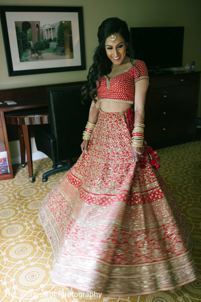 getting ready,indian bride getting ready,wedding lengha,bridal lengha,lengha,indian wedding lengha,lehenga,wedding lehenga,bridal lehenga,bridal fashions