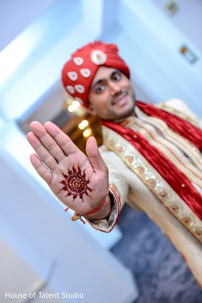 indian groom,mehndi,henna,mehendi