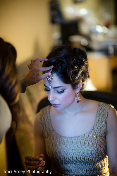 Getting Ready in Durham, NC Sikh Wedding by Traci Arney Photography
