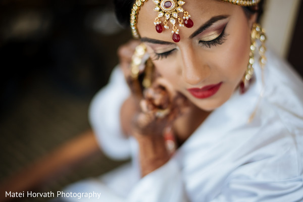 getting ready,indian bride getting ready,indian bride makeup,indian wedding makeup,indian bridal makeup,indian makeup,makeup