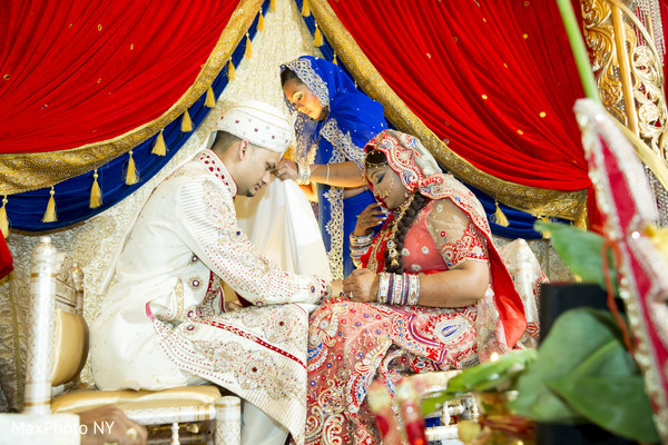 Hindu ceremony in New York, NY Indian Wedding by MaxPhoto NY