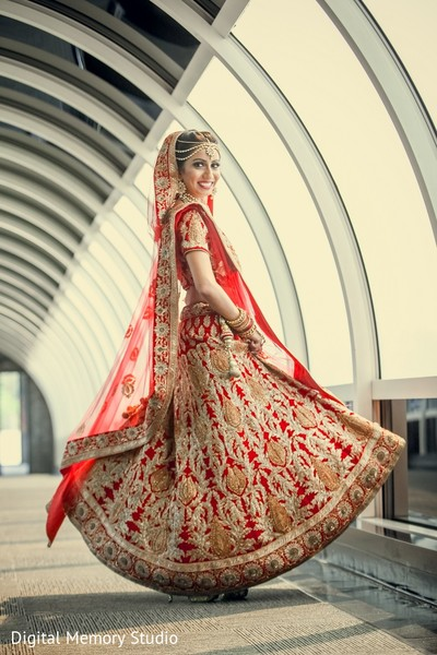 bridal portrait,indian bride,red wedding lengha,red bridal lengha,red lengha,red lehenga,bridal fashions
