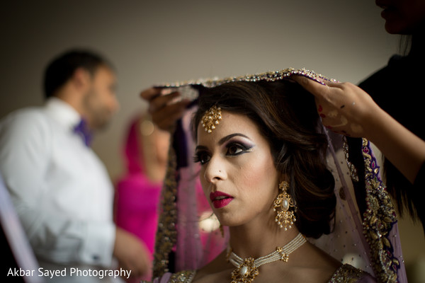 Getting ready in Baltimore, MD Pakistani Wedding by Akbar Sayed Photography