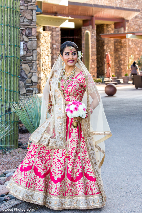 wedding lengha,bridal lengha,lengha,indian wedding lengha,lehenga,wedding lehenga,bridal lehenga,bridal fashions,indian bride,bridal portrait