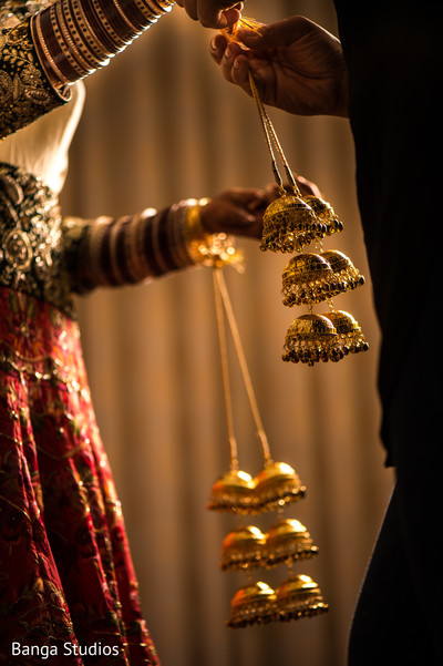 Getting Ready in New Rochelle, NY Sikh Wedding by Banga Studios